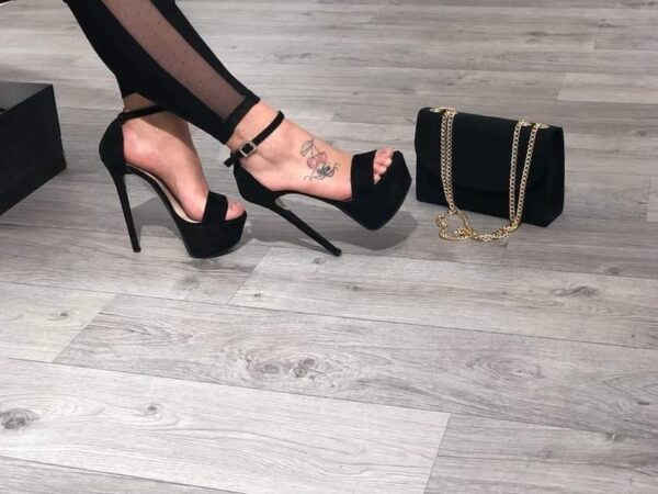 Sandaloconplateau.jpg